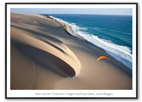 "Motivationsposter ""Paragliding"" mit schwarzem Designrahmen"